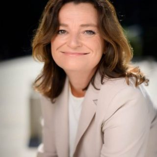 Christine Aymard:  Directrice de la Division Microsoft Consulting Services France